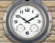 52538 | 18'' Silver Porthole Clock - Lifestyle