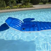 85687 | Adjustable Chaise Floating Lounge - Lifestyle 9