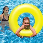 87130 | 35'' Swim Tube – Lifestyle 1