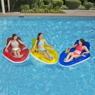 85652 | Water Pop Deluxe Lounge - Group Lifestyle