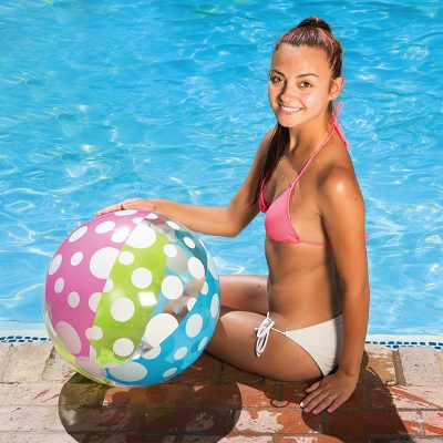 81126 | 24'' Polka Dot Play Ball - Lifestyle 1