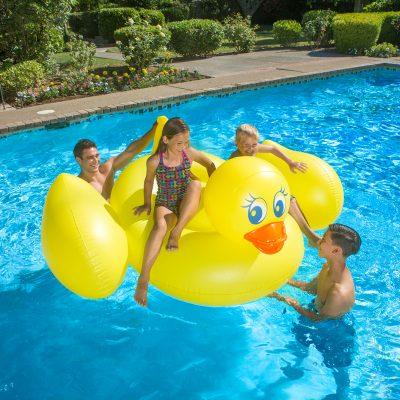 83675 | Jumbo Duck - Lifestyle 1