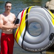 85607 | 47'' DLX River Cruiser Tube - Lifestyle 4